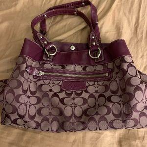 Beautiful purple coach purse 💜💜